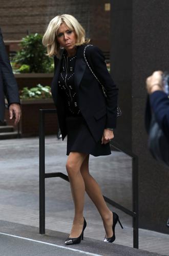 Фото №6 - Первый стилист Франции: кто одевает Брижит Макрон