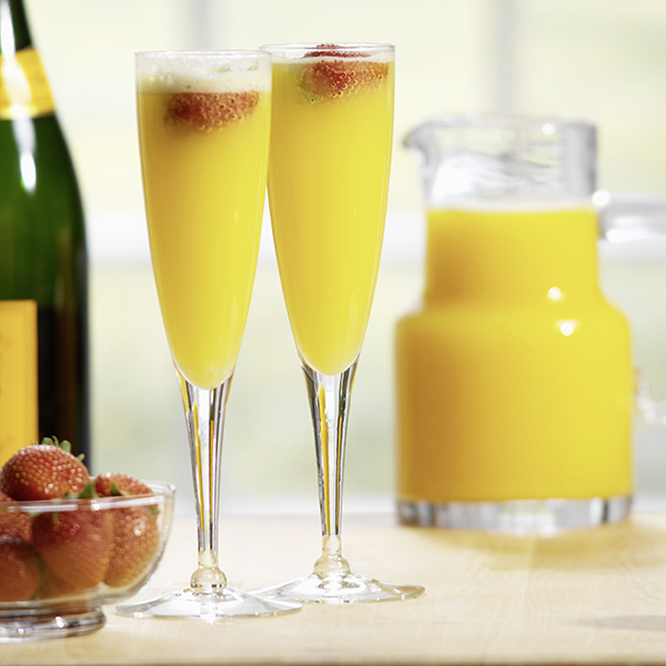 Фото №2 - Три рецепта коктейля из шампанского