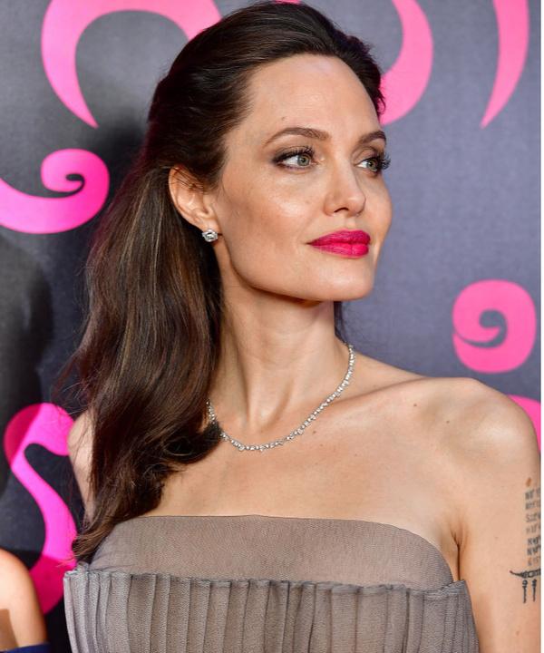 Стальная магнолия: 20 лучших выходов Анджелины Джоли после разрыва с Брэдом Питтом