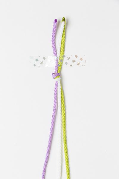 Фото №16 - Мастер-класс: Плетем фенечки
