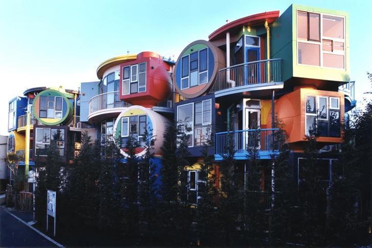 Фото №1 - Яркий жилой комплекс в Токио