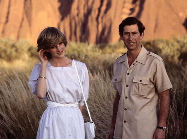 Фото №2 - Похожи или нет? Первые кадры со съемок сериала о Чарльзе и Диане