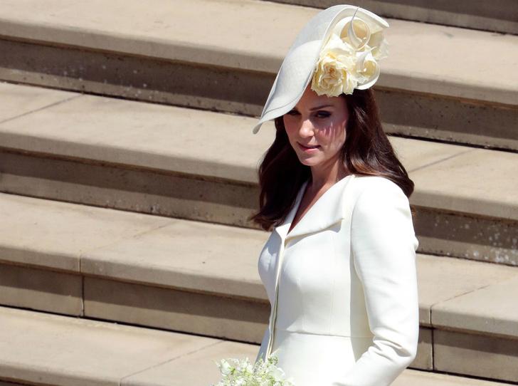 Фото №2 - Война герцогинь: из-за чего Кейт и Меган поссорились перед свадьбой Сассекских