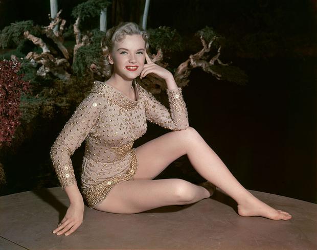 Фото №6 - Не только Мэрилин Монро: еще шесть шикарных блондинок 1950-х