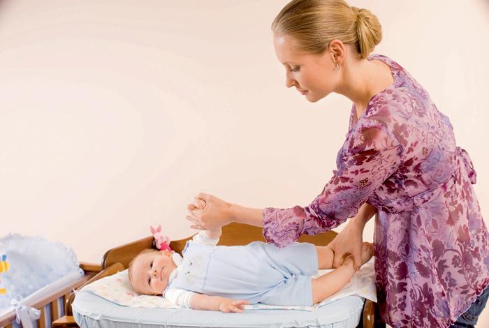 Фото №4 - Учим малыша переворачиваться на животик: 6 этапов