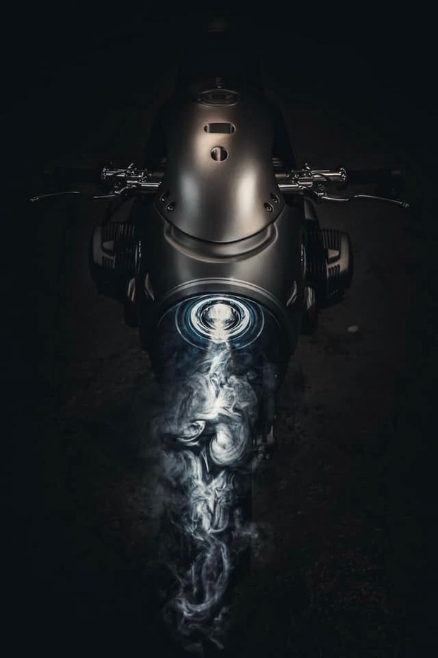 Фото №2 - Футуристический мотоцикл BMW, сделанный в России