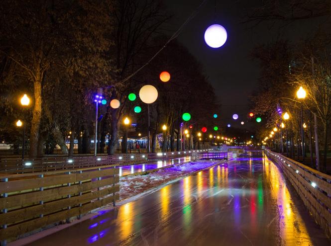 Фото №1 - Парк Горького открывает юбилейный каток
