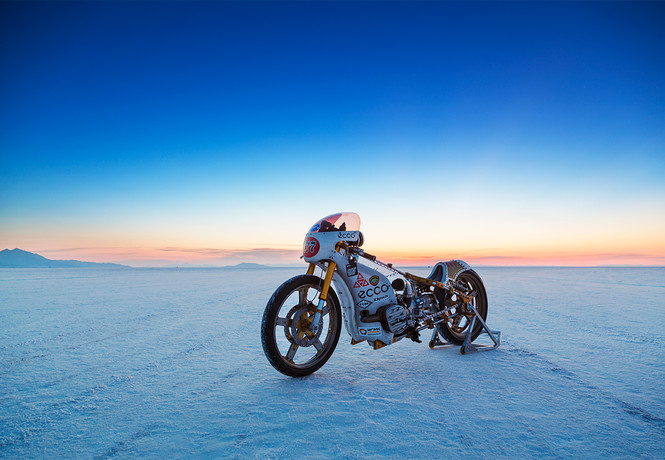 Фото №1 - Как команда из России участвовала в одной из самых опасных мотогонок мира