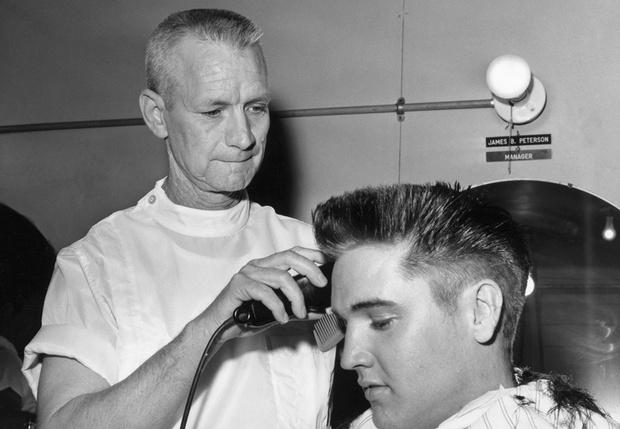 Фото №1 - Парикмахеры мира запустили сайт, который позволяет подстричься дома самостоятельно (видео)