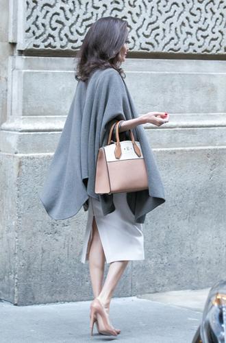 Фото №7 - Анджелина в Париже: Guerlain, Лувр и встреча с Брижит Макрон