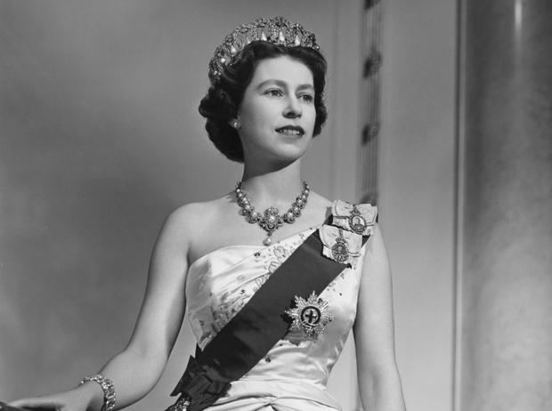Фото №1 - Королева Елизавета II: история в фотографиях