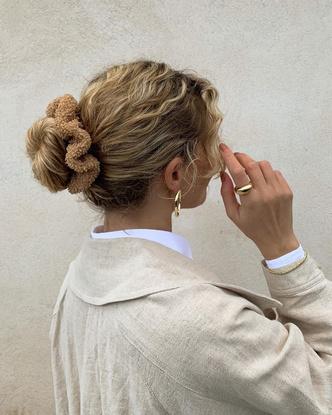 Фото №2 - 50 вариантов стильных аксессуаров для волос на лето-2020
