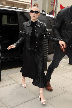 Фото №5 - Базовая водолазка: смотри, как носят популярные селебрити
