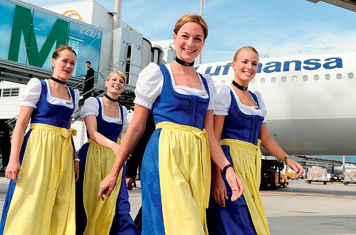 Фото №2 - Высокие стандарты: стюардессы из разных стран мира