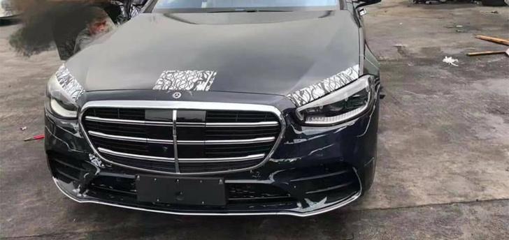 Фото №2 - S-класс подкрался незаметно: новый флагман Mercedes-Benz обещает революцию