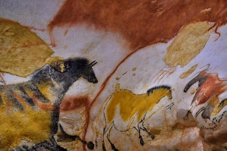 Фото №1 - Археолог случайно открыл, как наскальные рисунки превращаются в первобытные мультики