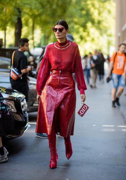 Фото №5 - Полезные советы: как продлить жизнь старой одежде?