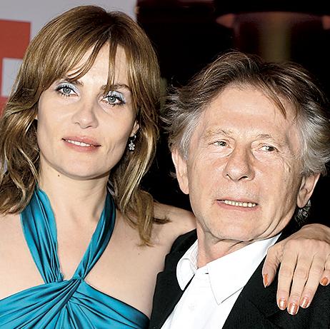 С женой – французской актрисой Эмманюэль Сенье.