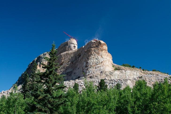 Фото №3 - Невероятно масштабно и просто для красоты: огромные монументы и сооружения, не несущие практического смысла