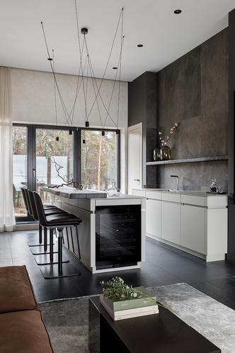 Кухня, Leicht. Барные стулья, KFF. Светильники, Vesoi.