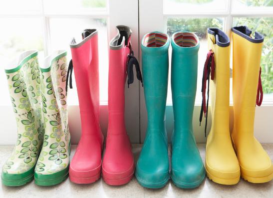 Фото №1 - И в дождь, и в снег: как выбрать резиновые сапожки?