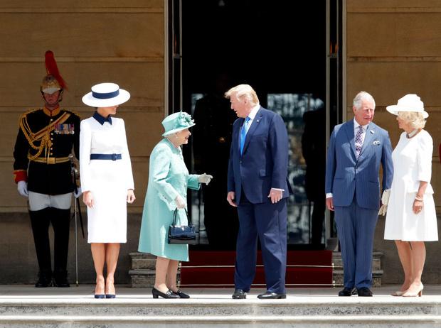 Фото №3 - Дары Трампа: что президент США преподнес Королеве и принцу Филиппу