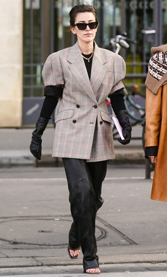 Фото №8 - Слишком модно: 7 трендов, которые россиянкам сложно принять