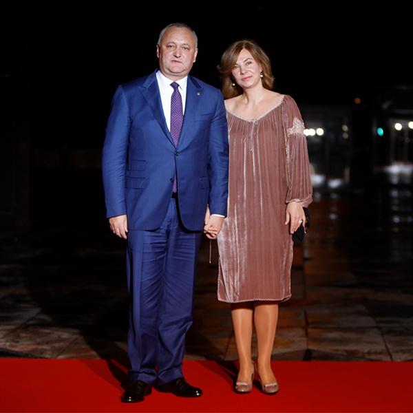 Фото №20 - Боги политического Олимпа: президенты и их жены на званом ужине в Париже