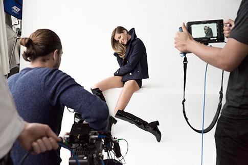 Backstage рекламной кампании осень–зима 2014/15 с Жизель Бюндхен