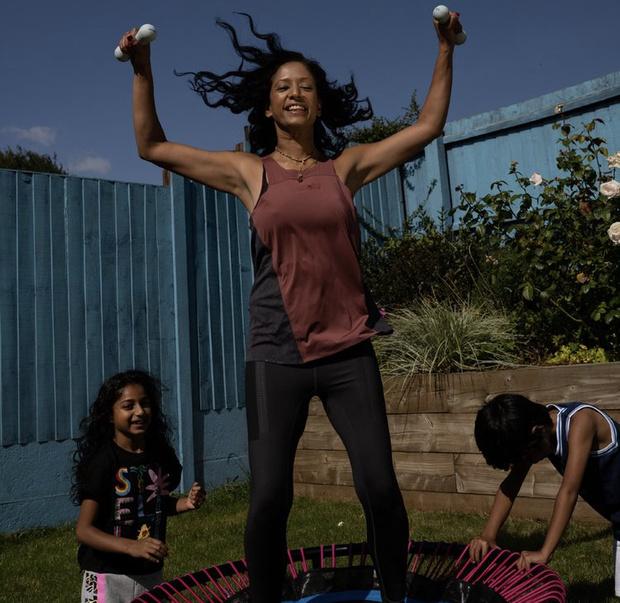 Фото №18 - #Elleгрудь: новый кампейн Stella McCartney с женщинами, пережившими рак