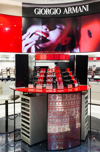 Фото №3 - Первый в Европе: в Москве открылся парфюмерно-косметический бутик Giorgio Armani Beauty