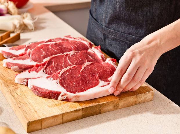 Фото №1 - 6 причин есть мясо реже