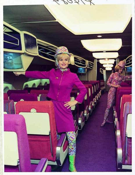 Фото №11 - Мода высокого полета: дизайнеры в поисках идеальной стюардессы