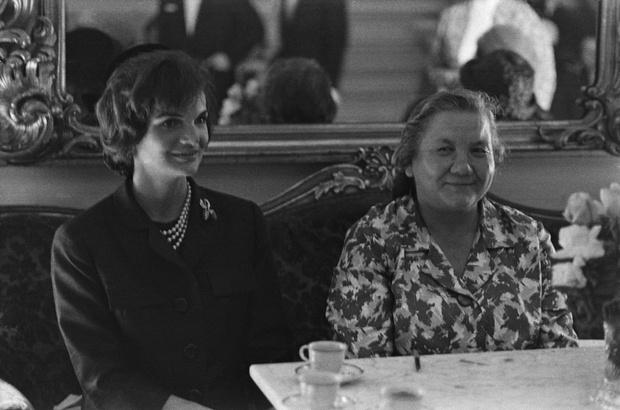 Фото №3 - Советский стиль: как одевались первые леди СССР