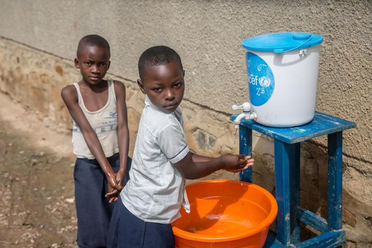 Фото №1 - Цифры: Эбола, Эбола, перейди на другого