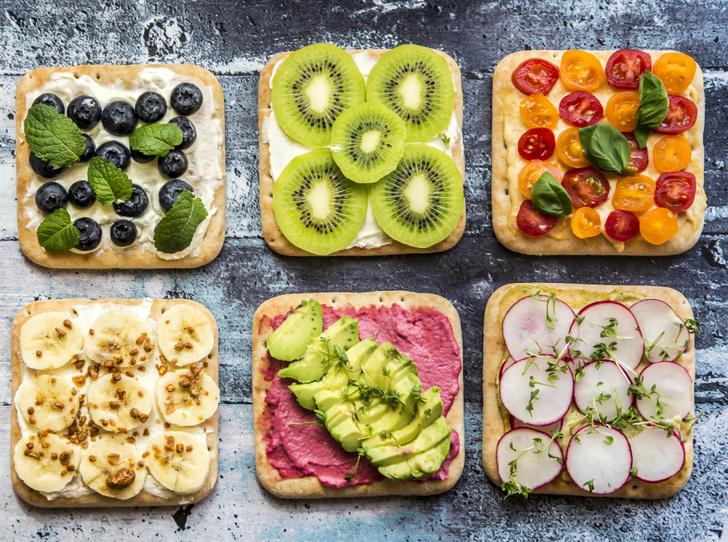 Фото №1 - Правильное утро: 5 рецептов вкусных и полезных бутербродов
