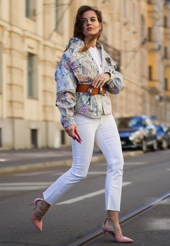 Фото №5 - Анти-оверсайз: как носить облегающие вещи и выглядеть стильно