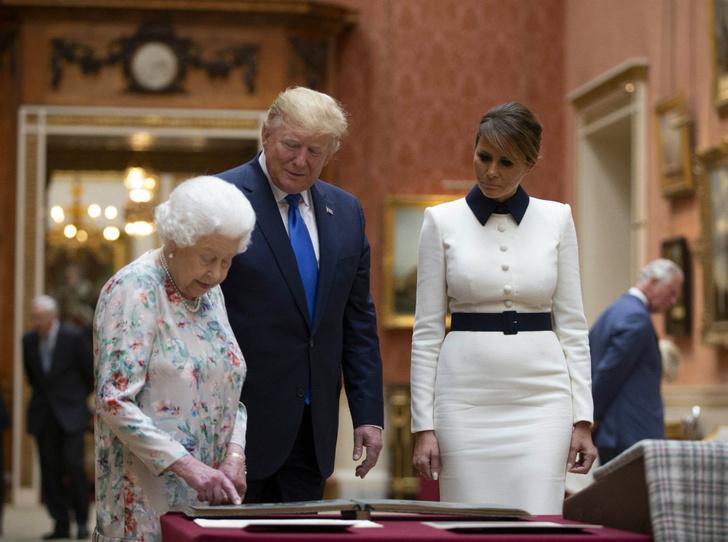 Фото №1 - Секреты Мелании: как Первая леди США выиграла модную битву у королевской семьи