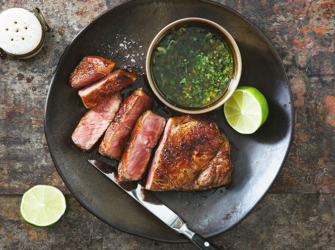 Фото №5 - Что едят шеф-повара: «мясо разбойника», уха на молоке и пирог c рыбой и салом