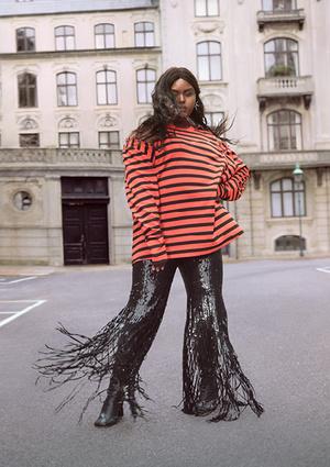 Фото №4 - Идеальные блейзеры и необычные джемперы: как выглядит новая коллекция H&M Studio SS21
