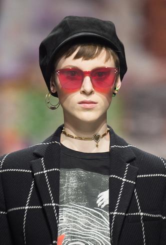 Фото №12 - 5 трендов из 60-х, которые возвращаются в коллекции Dior FW18-19