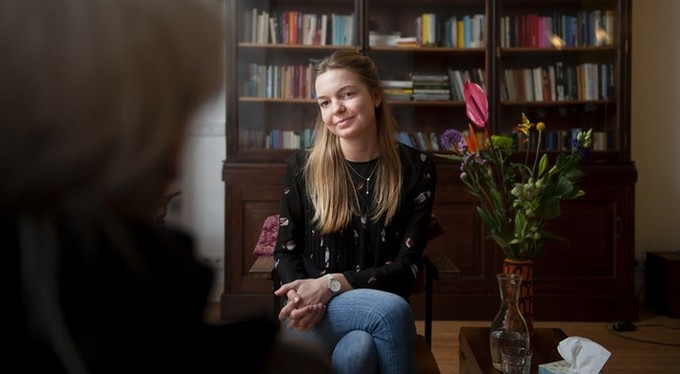 «Ваше время истекло»: почему сессия у психотерапевта такая короткая