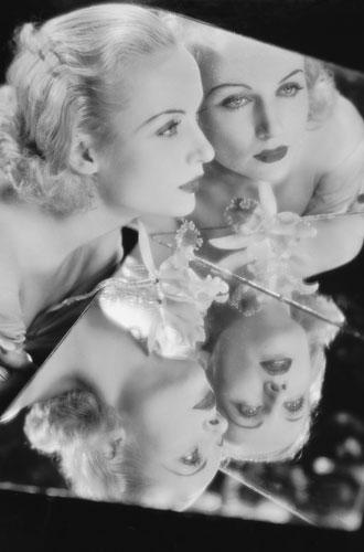 Фото №2 - Самые опасные бьюти-процедуры: каких жертв требовала красота в прошлом