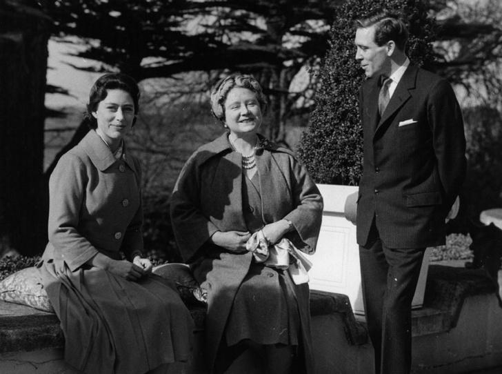 Фото №1 - Секреты Короны: как королева-мать помогала Маргарет скрывать ее тайный роман