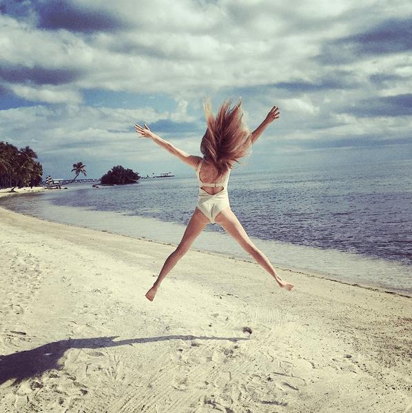 Фото №11 - Звездный Instagram: Знаменитости на море