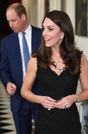 Фото №11 - Почему выходка принца Уильяма на руку Кейт Миддлтон