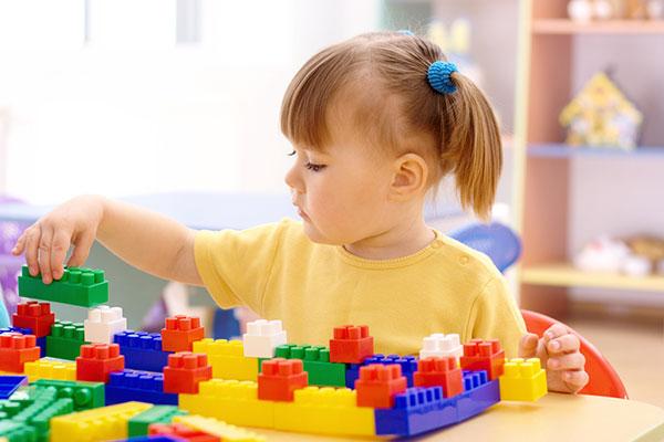 Фото №2 - Как научить ребенка играть самостоятельно