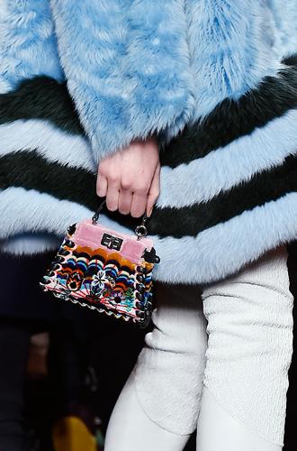 Фото №147 - Самые модные сумки осенне-зимнего сезона 2016/17