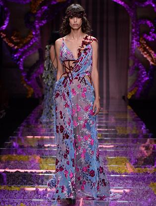 Фото №16 - Неделя Высокой Моды в Париже: Atelier Versace FW2015/16