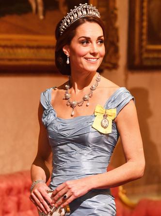 Фото №3 - Какой титул Кейт могла получить после свадьбы (но согласилась на герцогиню)